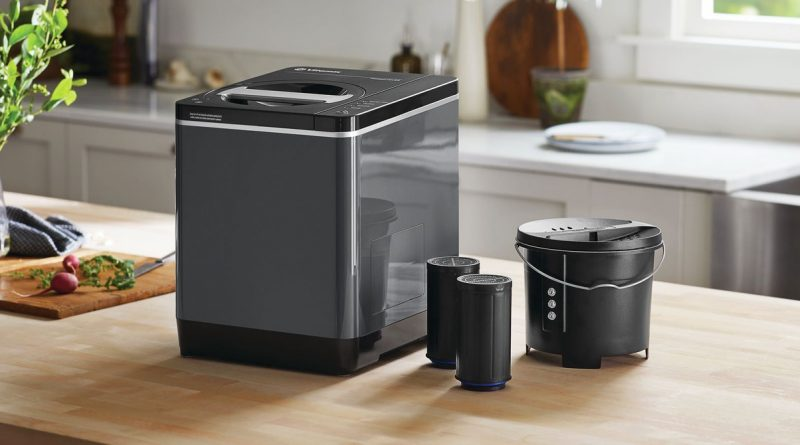 Vitamix's Countertop Composter Turns Table Scraps Into Plant Food