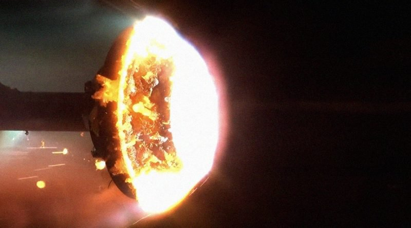 Watch What Happens When a Satellite Burns Up in Earth's Atmosphere